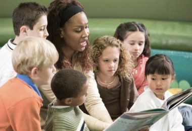 4 Tips to Deal with Poorly Behaved Kids in Teaching